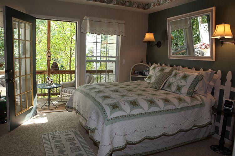 Love Nest Room