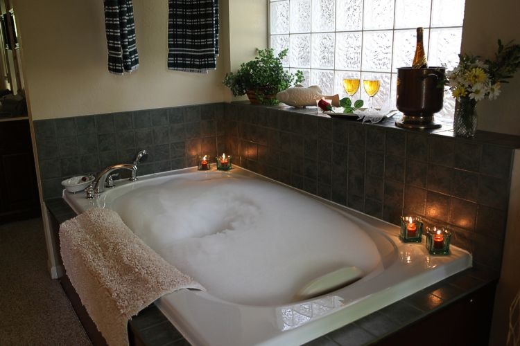 romantic and relaxing jetted tub